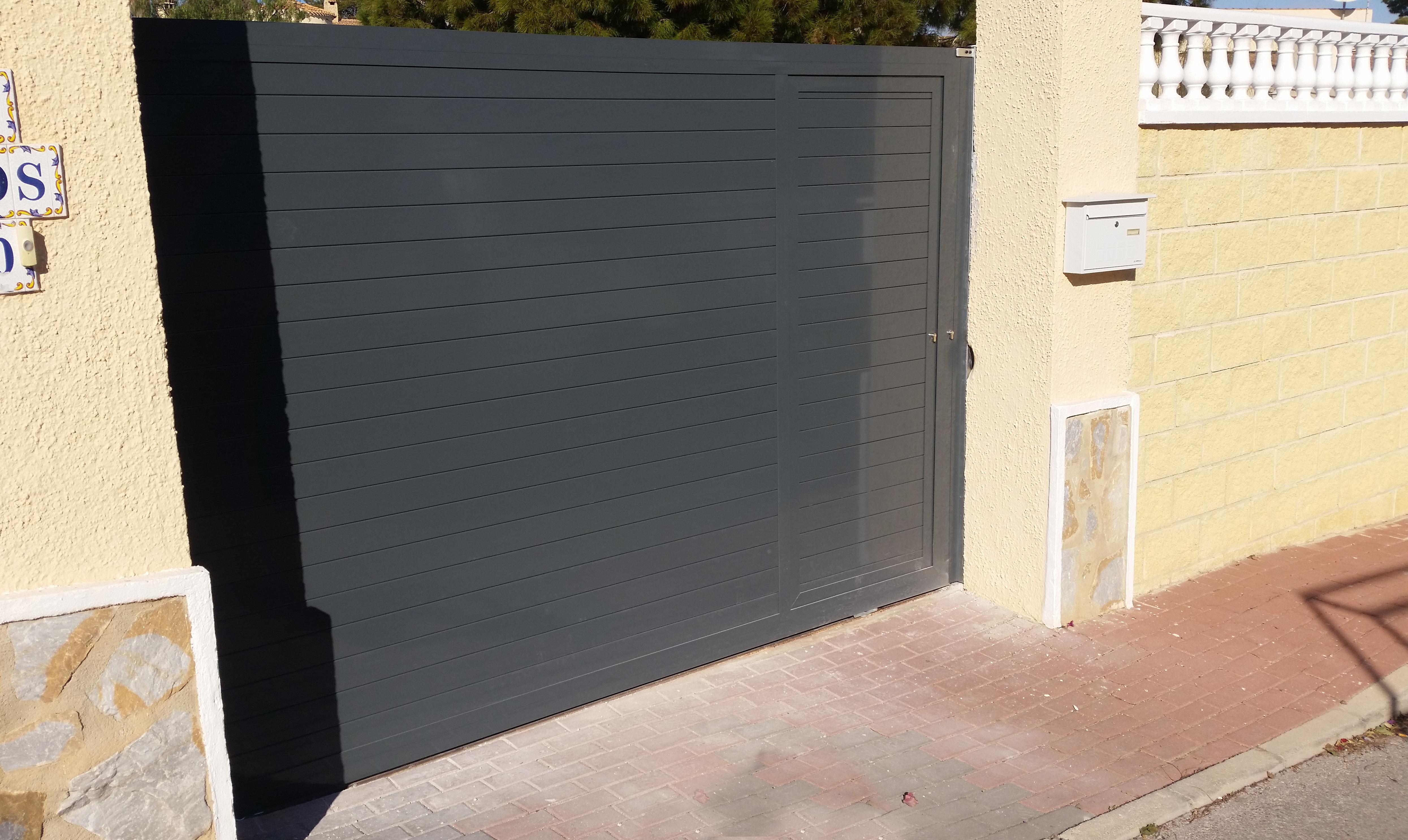 [:es]Puerta automática corredera[:en]Automatic sliding door[:]