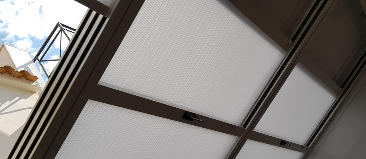[:es]Techo corredera de 4 calles[:en]4 track sliding roof[:]