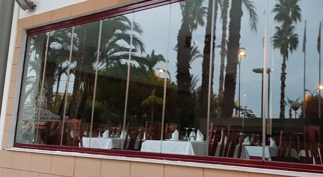 [:es]Cortina de cristal para Restaurante[:en]Glass curtain for Restaurant[:]